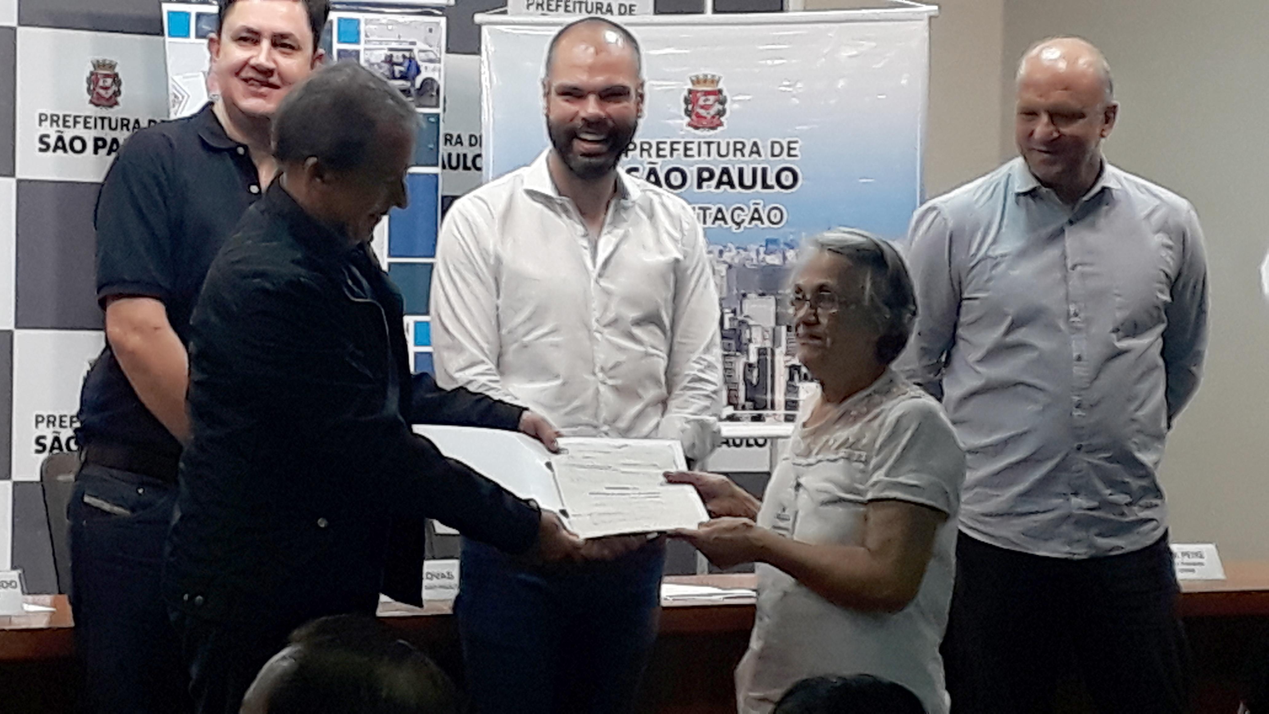 Img 3579 - Prefeitura entrega mais de 1.200 Termos de Quitação para mutuários de diversas regiões da cidade